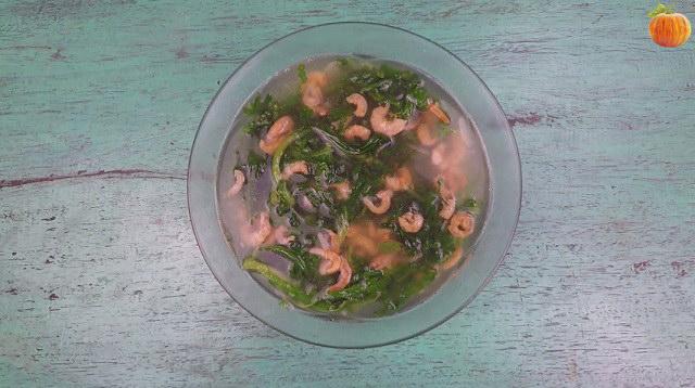 Canh cải cúc nấu tôm khô