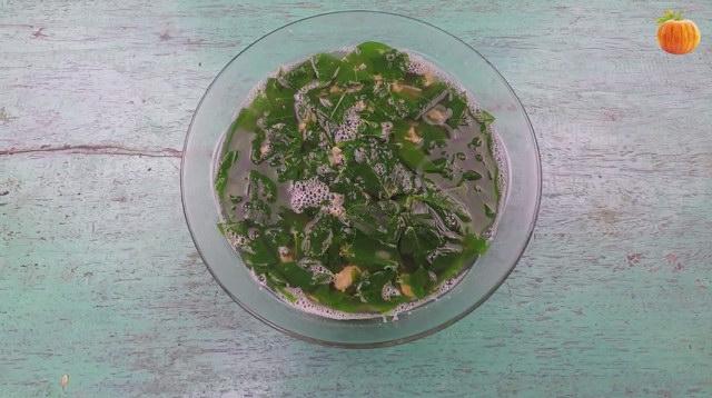 Canh rau ngót nấu tôm khô