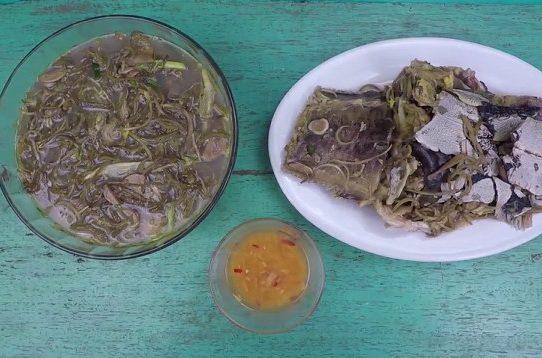 Canh cá trê nấu hoa chuối