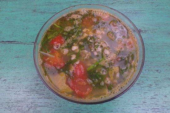 Canh hến nấu khế chua