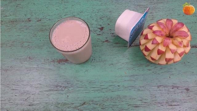 Sinh tố táo - chuối - sữa chua