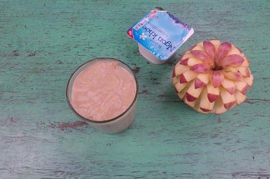 Sinh tố táo - sữa chua