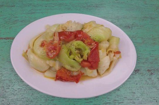 Mụp cải xào cà chua