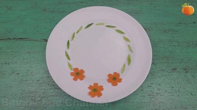 Trang trí viền đĩa (45) - Ba bông hoa